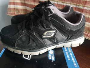 HIGH QUALITY!  MEN'S SKECHERS SAFETY SNEAKERS SIZE 8.5 REG FIT