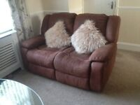 Leather suite 3 & 2 recliner Settees