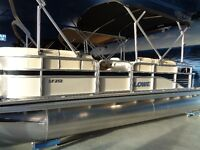 2016 Lowe SF212 Pontoon Boat