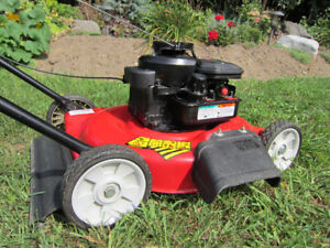 PUSH MOWER ~MTD - YARD MACHINES~5.5hp ~ 21DECK~ LIKE NEW!
