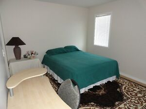 MASTER BEDROOM FOR RENT IN BRIARWOOD