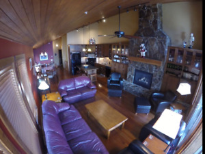 Big White, BC 4 bedroom, 4 bath w/private hot tub