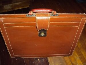 Antique Leather Luggage briefcase/carryall caramel coloured