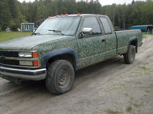 1989 gmc 3/4 de tonne diesel 4x4,ideal plaquer,285 000km