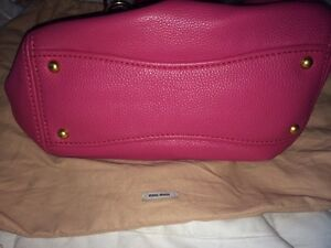Authentic miu miu grained leather tote in peony pink Kitchener / Waterloo Kitchener Area image 8