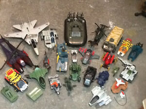 Gi Joe lot, figures, vehicles, boxes, parts