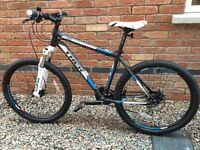 TREAK 3900 DISC BRAKES 2014 MOUNTAIN BIKE BLUE / WHITE /BLACK £220 EX COND!!!