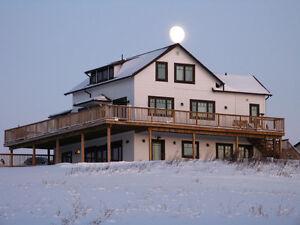 Acreage House on Pembina River 1 hr out of Edmonton near Sangudo
