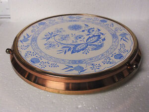 EASTER CAKE  FOOTED PLATE  / TURNING DELFTWARE GERMAN London Ontario image 2