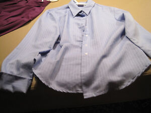 7 Women's Button Down Shirts Cornwall Ontario image 3