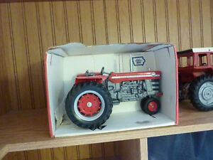 TOY CAST TRACTOR SELECTION Kitchener / Waterloo Kitchener Area image 7