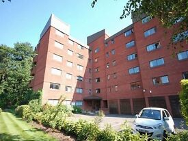3 bedroom flat in Spencer Close, FINCHLEY, N33