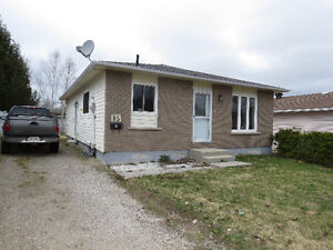 REDUCED !!!!Nicely updated bungalow in Elliot Lake !!!