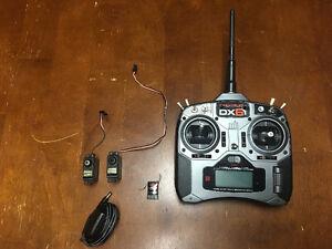 Spektrum DX6i R/C Controller with 2 X Servos and Receiver