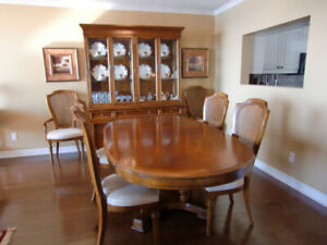 Cherry wood Dining Room set with china cabinet