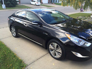 2014 Hyundai Sonata Hybrid Limited w/ Tech Sedan