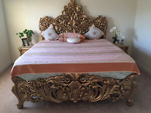 Royal,classic,antique,hand carved solid rosewood GOLD Bed set!