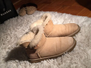 ugg boots / bottes ugg  MINI BAILEY BUTTON