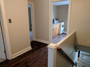 2 Bedroom Apartment Close To Downtown!