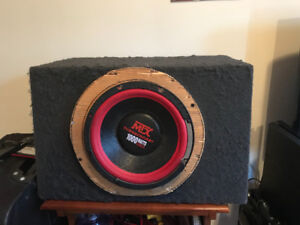 MTX Thundercast 1000 Watts total power subwoofer and amp