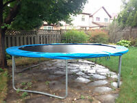 12ft Trampoline with Safety Enclosure