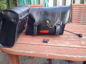 Leather Detachable Lockable Saddlebags HD prt# 90201328
