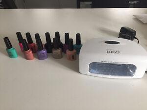 Lot de Gel UV pour les ongles et lamp - Kiss (kit maison)