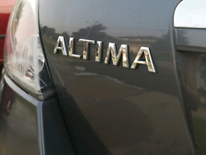 Nissan Altima. 2009. Accident Free. Low KM