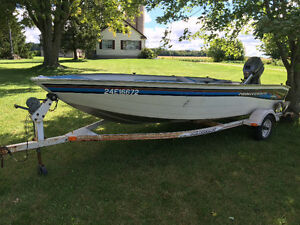 Boat with 25hp Johnson outboard motor London Ontario image 1