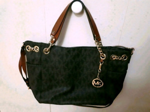 cd5b25e96f7dec Michael Kors | Buy or Sell Women's Bags & Wallets in Hamilton ...