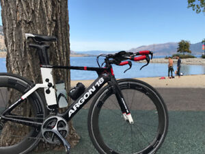 Tri bike , impeccably clean & with all the gadgets,