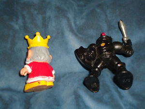 King and Knight Medieval set of 2!~Lot Kingston Kingston Area image 3