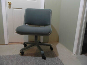 Desk Chair with Rollers & padded cloth chair