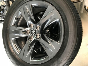 2018 Toyota Highlander limited wheels and tires NEW