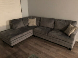 LIKE NEW SECTIONAL SOFA - Structube
