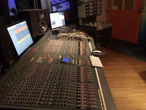 32-channel SOUNDCRAFT DC2020 mixing console W/ AUTOMATION
