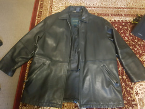 Absolute mint condition Danier leather jacket... XL 44-46