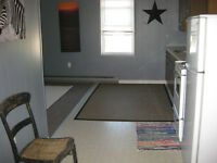 Lovely apartment avail. SHORT TERM for October + in Tweed