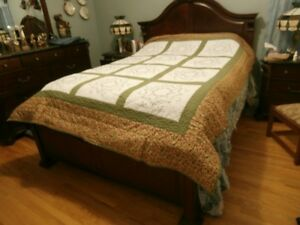 Queen size Hand quilted Quilts at KeepSakes Antiques