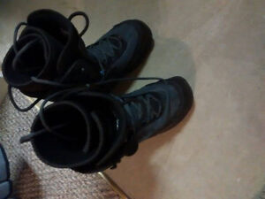 Women's Size 9 Snowboard Boots Kitchener / Waterloo Kitchener Area image 1