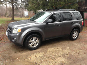 2010 Ford Escape Fully Loaded Saftied & Etested