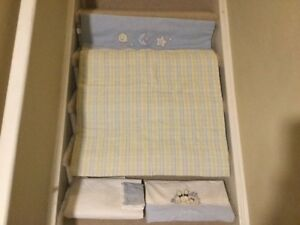 Gorgeous Reversible Bedspread & Complete Sheet Set (never used)