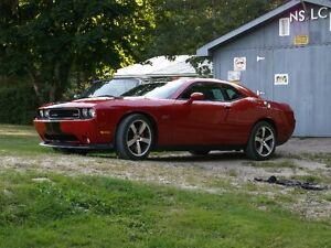 2012 Dodge Challenger SRT-8 Coupe (2 door)