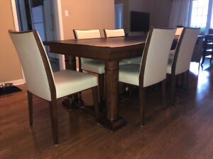 Kitchen table w 6 chairs