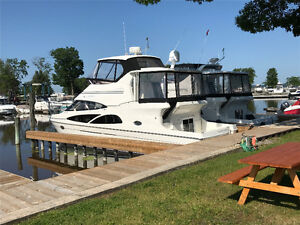 Carver 41 CMY - A pristine vessel, your floating dream home