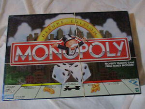 Monopoly Deluxe edition complete Kitchener / Waterloo Kitchener Area image 1