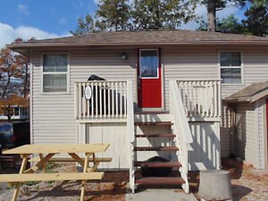 1 Bedroom Cottage in Downtown Grand Bend for summer fun