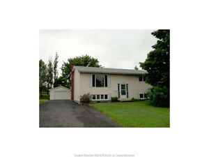 PRIME LOCATION DIEPPE CENTER WITH GARAGE