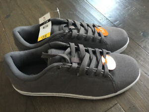 Brand NEW Skater Style Shoes in Men's Size 10