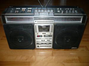 Ghettoblaster Boombox Sharp GF-9696 Gatineau Ottawa / Gatineau Area image 1
